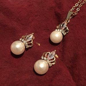 Jewelry - Fashion Pearl and Crown Necklace and Earrings Set